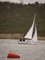 Waller TS 540 sailing