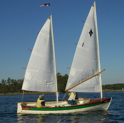 Lapwing 16. A daysailer that combines classic panache with attitude