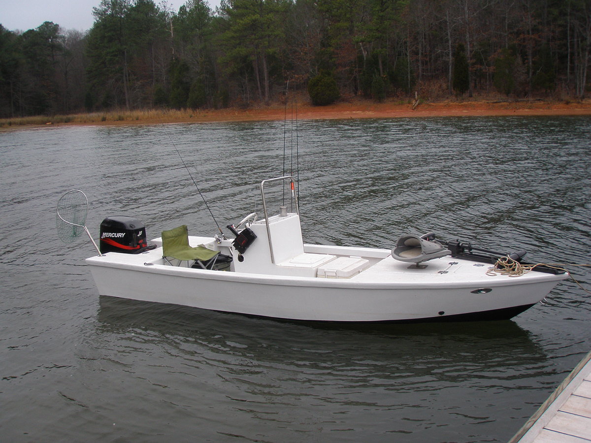 Outboard Skiff 18. [OB18] A planing vee-hull designed for semi-protected waters