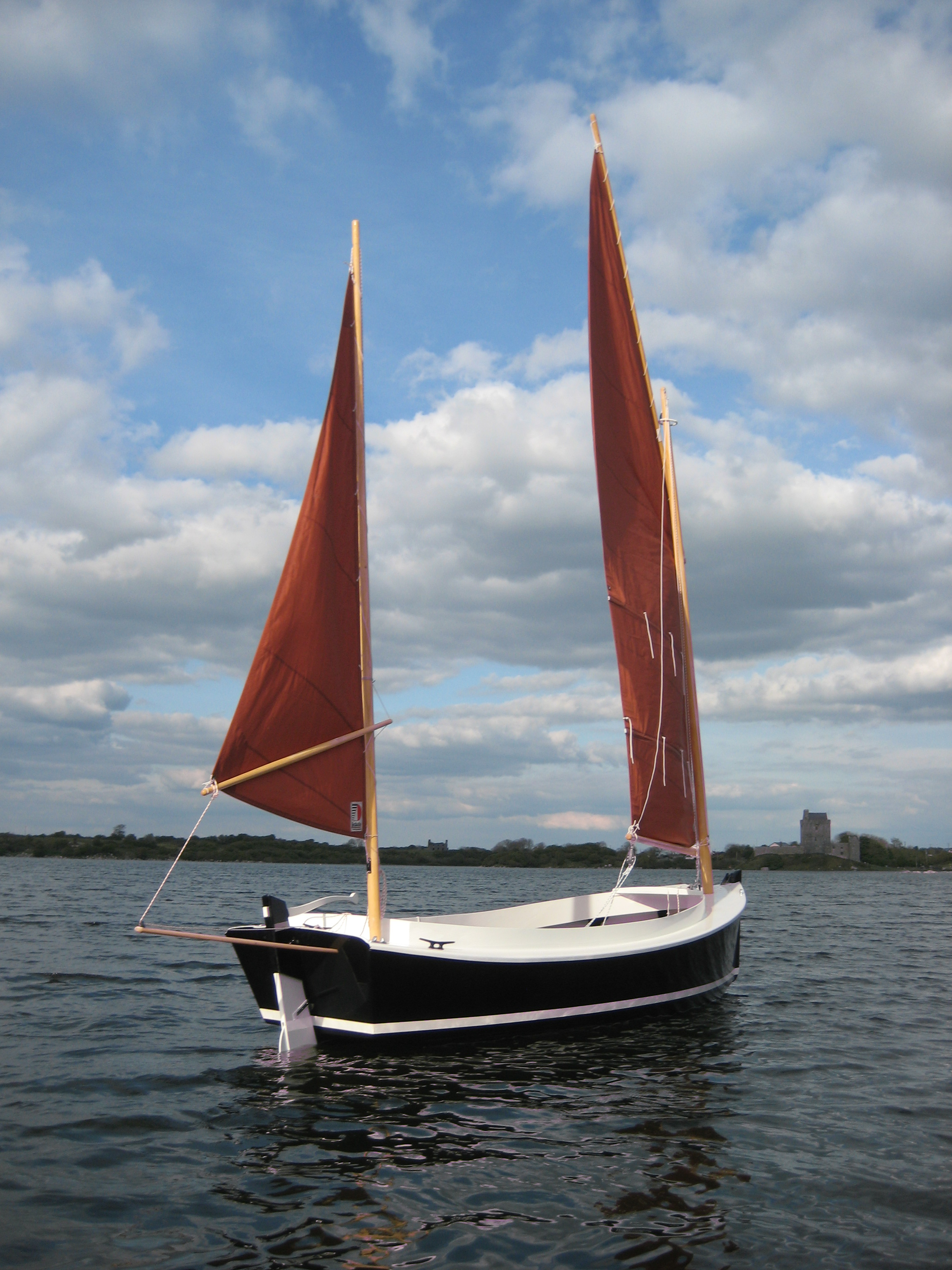 Catbird 16  Sailing camp cruiser