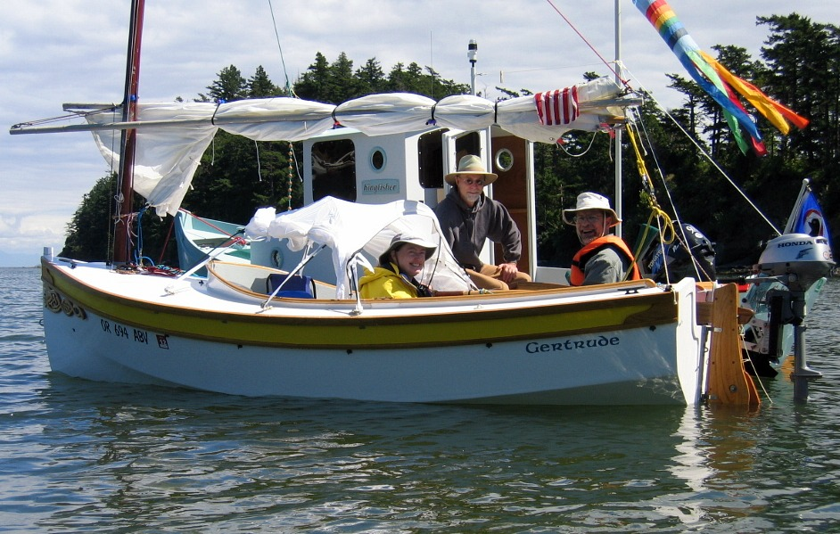 Houdini. Serious, a sailing dinghy with space to sleep two or daysail ...