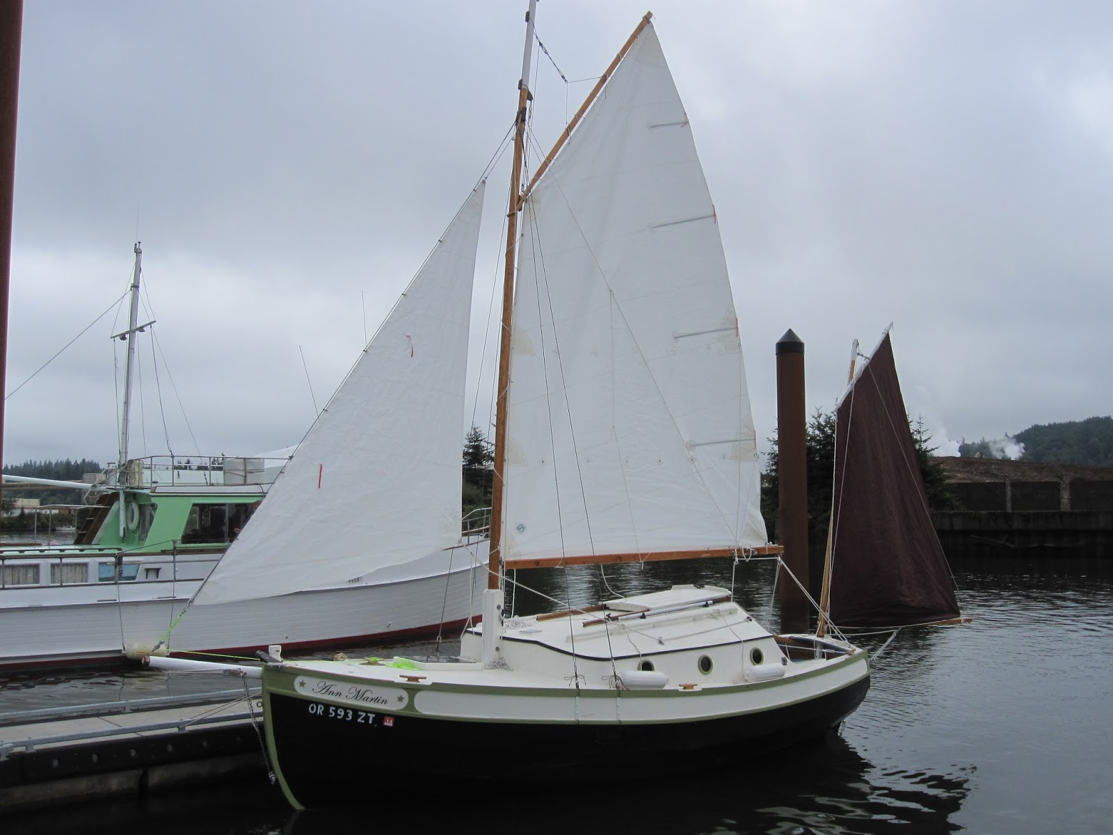 Penguin. A classic trailer yacht with serious space inside